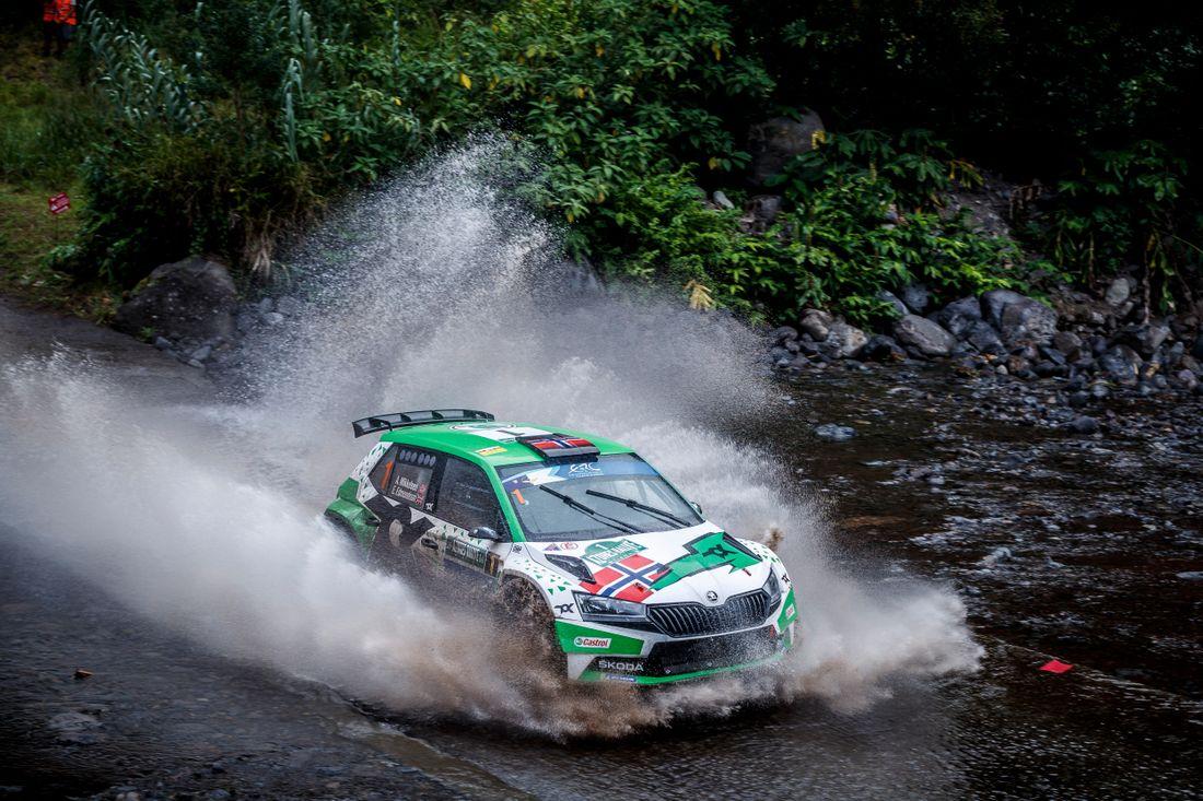 ERC: 55º Azores Rallye [16-18 Septiembre] 2e7d80087b7159a8c4e507a67a176084